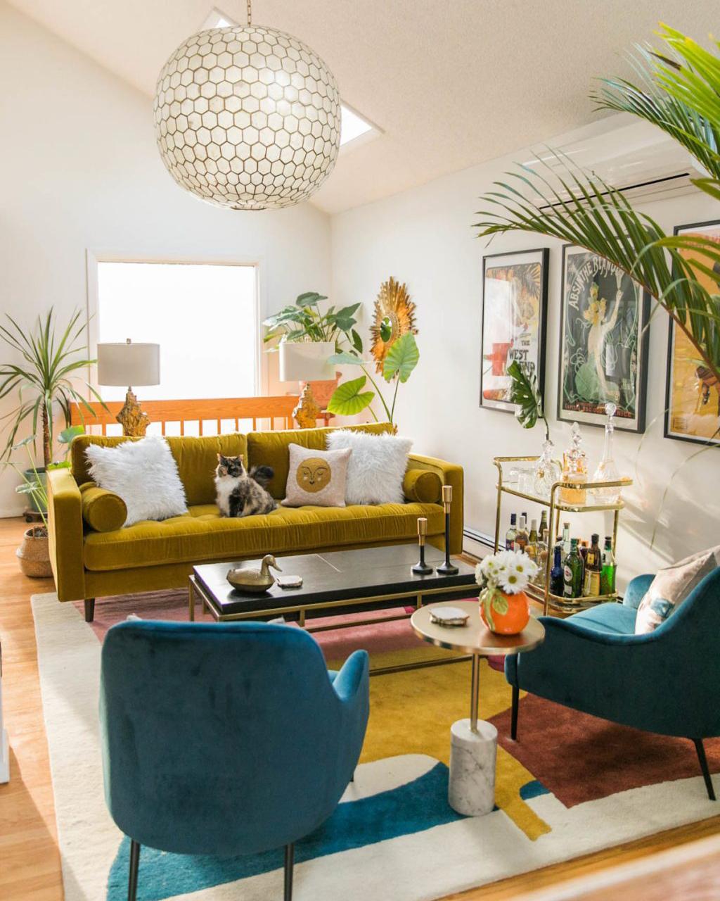 Jessica Brigham's Vibrant & Glamorous Mid Century Living Room